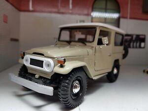 Model Toyota Land Cruiser FJ40 Beige Motormax Detailed Diecast 1:24 Scale New