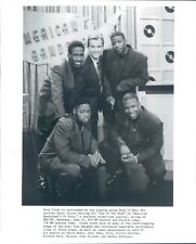 Press Photo R&B Vocal Band Boyz II Men With Dick Clark American Bandstand