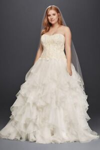Never worn, Unaltered, New with Tags, Size 18, Gorgeous Wedding Dress!!