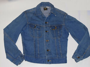 VTG SMALL SIZE LEE RIDERS DENIM JACKET! TRUCKER STYLE! 2 POCKETS! USA! 36