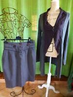 lot 2piéces ,grises  jupe droite T 2 +veste longue offerte
