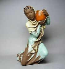 (G3848) Karlsruher Majolika Figur Wasserträgerin als Kerzenhalter, Mod-Nr. 6138