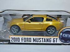 Greenlight Ford Mustang GT 2010 gold 1/18th scale REF: 12870