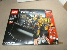 LEGO TECHNIC - 42030 -RC VOLVO L350F WHEEL LOADER - BRAND NEW & FACTORY SEALED