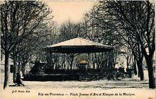 CPA AIX-en-PROVENCE - Place Jeanne d'Arc et Kiosque (213603)