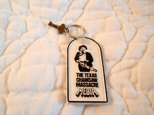 THE TEXAS CHAINSAW MASSACRE MEDIA HOME VIDEO ENTERTAINMENT KEYCHAIN LEATHERFACE