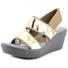 Sandali e scarpe beige Steve Madden per il mare da donna