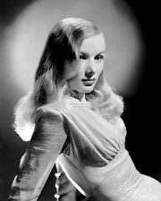 """VERONICA LAKE IN THE FILM """"THIS GUN FOR HIRE"""" - 8X10 PUBLICITY PHOTO (AZ370)"""