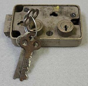 Yale 3300 series safe deposit box lock
