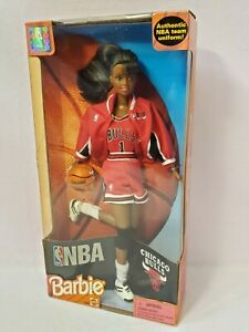 CHICAGO BULLS NBA BARBIE DOLL AA 1998 MATTEL 20693 NRFB
