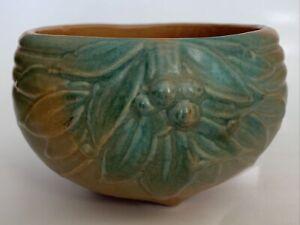 Vintage1926? Nelson McCoy Pottery GREEN Pot HANGING BASKET Leaves & Berries  USA