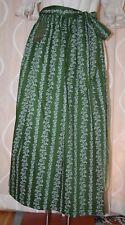 NEU** lange  Dirndl Schürze in dklgrün weiss  von H.MOSER Mode  aus  Salzburg 92