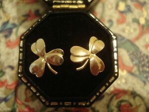 Very Pretty Vintage,Finely Crafted 9CT Gold: Lucky Clover Leaf Design Earrings