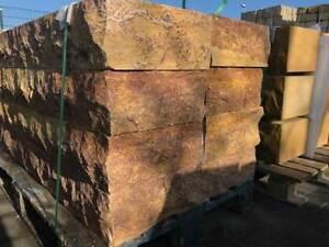 Sandsteintreppe - Blockstufen aus Sandstein 120 x 35 x 15 cm - ansehen!