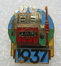 Pin's Série Collection Station Service les pompes à Essence LA MURE 1937 #B3
