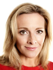 Gabby Logan UNSIGNED photo - L273 - British presenter and former gymnast