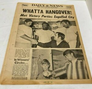 October 18, 1975 New York Daily News Newspaper---Mets Champions Day After  VG