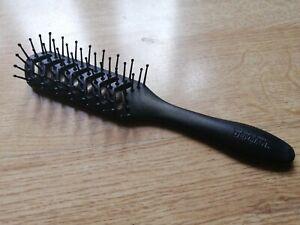 Denman British Made Hyflex Vent Hair Brush D200 for Blow Dry Soft Pins Heat Resi