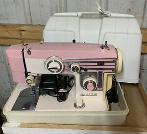 Vintage White Model 656 Zig Zag Sewing Machine In Case