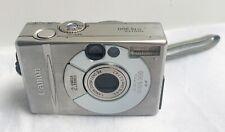 Appareil photo numérique Canon Digital IXUS 300 de 2001—Chargeur et batterie