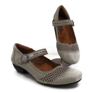 Taos Esteem Gray Mary Jane Shoes US 8 EUR 39 Perforated Round Toe Adjustable