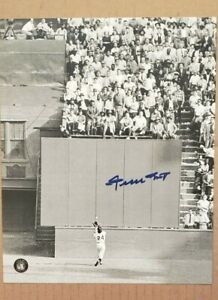 WILLIE MAYS signed 'THE CATCH' 8x10 PHOTO  ~'SAY HEY' Hologram  90 years old now