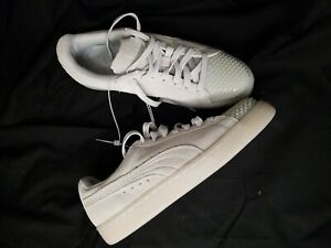 Puma Classic Suede Sneakers W/Rubber Spikes Women's Size 7.5 Light Gray