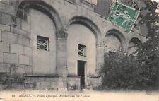 MEAUX - palacio Episcopal, Ciegos de arcadas de la XVI siglo