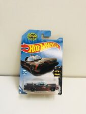 NEW HOTWHEELS 1966 BATMAN BATMOBILLE 1:64 DIE CAST SCALE