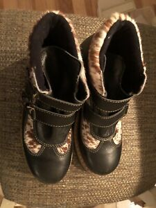 Martino of Canada Leather Alpine Buckle Boots Black Fur Wool - Size 8.5