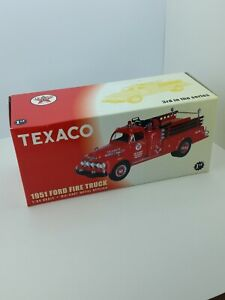 Texaco 1951 Ford Truck Pumper Fire Department 1/34 Scale First Gear