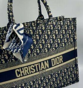 Christian DIOR Book Tote Bag in Navy Oblique Canvas