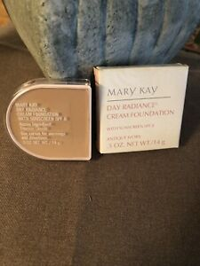 Mary Kay Day Radiance Cream Foundation Antique Ivory 6298 New In Box NOS