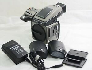 HASSELBLAD H3Dii CAMERA  BODY /  HVD 90X VIEWFINDER 5838 SHUTTER COUNT (MINT)