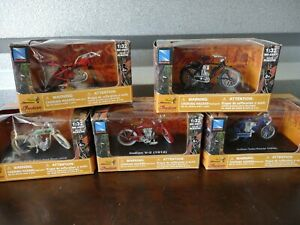 Lot of Indian single board track racer scout Camelback V2 twin Motorcycles 1:32