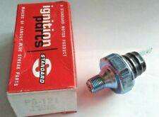 Engine Oil Pressure Sender-Switch with Light Standard Motor Products PS121