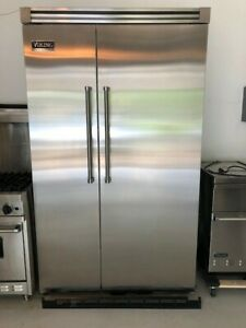 Viking Professional VCSB5482DSS 27.4 cu. ft. Side-by-Side Refrigerator