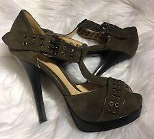 Fendi Heels Suede platform shoes with Gold eyelets Olive Green Sz 7