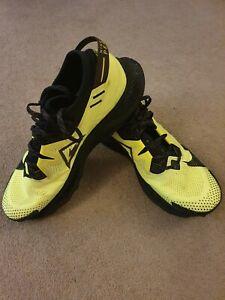 Nike Mens Pegasus Trail 2 Running Trainers, Yellow, Size UK 10