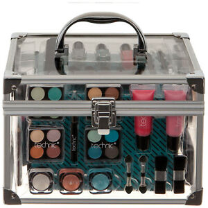Technic Christmas 2021 Clear Beauty Case gift set