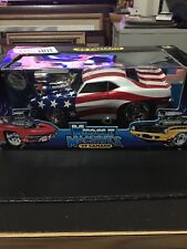 2001 Muscle Machines '69 Camaro (patriotic) 1:18 Scale