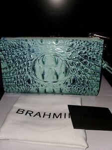Brahmin Melbourne Daisy Zip Wristlet  Biscay Melbourne NWT