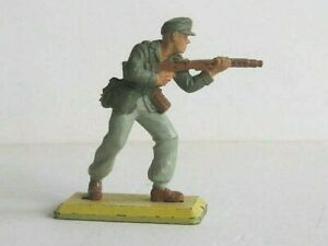1 x BRITAINS DEETAIL TOYS. 1971 WWII GERMAN AFRIKA KORPS. 1/32 SCALE SOLDIER