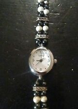 Vintage Legacy ladies watch, running with new battery no Reserve