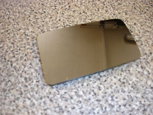 Land Rover Mirror glass RH Discovery 1 , RR classic. Part no. MTC6538. Genuine