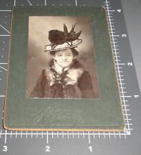 Woman Big HAT w/ BLACK BIRD Fashion CHERRYVALE Kansas KS Vintage Cabinet PHOTO