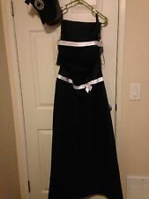 satin black and white dress size 8 ,long in length, worn once , matching shawl