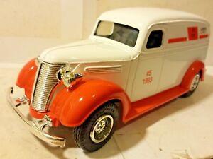 Ertl Chevy 1938 Panel Truck Victor Recreation Chevrolet 1:25 Scale Die Cast Bank