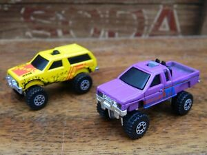 Mattel Hot Wheels Micro Mini Light Racer Chevy Blazer and Nissan Pick Up 1987