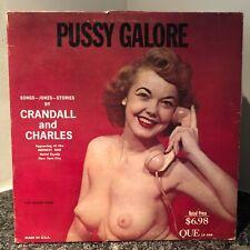 CRANDALL & CHARLES Pussy Galore LP Que 444 ORIGINAL US PRESS cheesecake pin-up